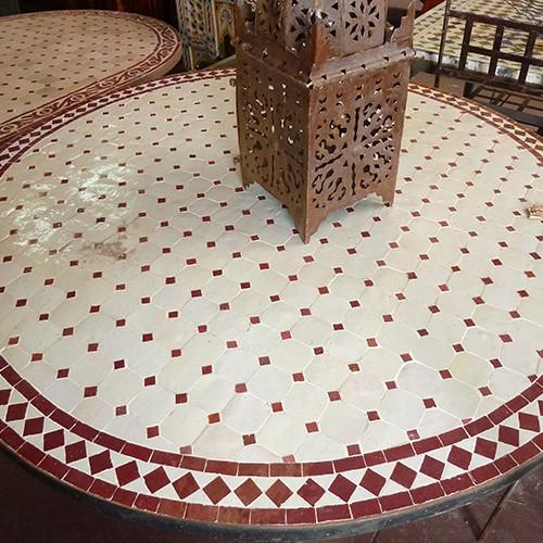 Mesa de comedor redonda marroqu mosaico la casa bella for Mosaico marroqui